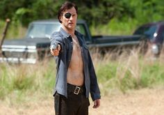 walking dead the governor | the-walking-dead-dead-weight-new-images-the-governor-01.jpg