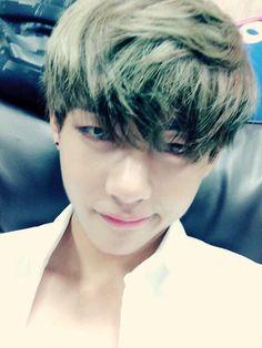 taehyung / bts // why u do this :-(((((