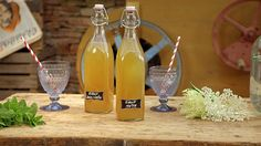 Mátový sirup — Recepty — Herbář — Česká televize A Food, Food And Drink, Pies Art, Nordic Interior, Sous Vide, Home Recipes, Healthy Drinks, Preserves, Herbalism
