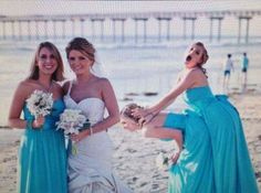 Here Comes the Awkward! 14 Funny Wedding Pictures