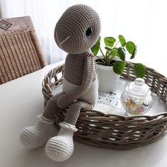 Crochet Patterns Amigurumi, Crochet Dolls, Cute Crochet, Crochet Rabbit, Crochet Animals, Christmas Tree Ornaments, Kids Toys, Bunny, Teddy Bear
