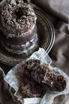 The most chocolate-y baked donuts ever! I loved the crumb version but the glazed was really good too, and so was the plain chocolate! Homemade Donuts, Homemade Chocolate, Chocolate Recipes, Chocolate Donuts, Homemade Breads, Chocolate Crumbs Recipe, Baking Chocolate, Baked Donut Recipes, Desert Recipes