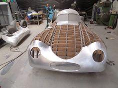Porsche type 64 Porsche Roadster, Porsche 550, Porsche Cars, Vintage Sports Cars, Vintage Race Car, Vintage Trucks, Custom Metal Fabrication, Car Workshop, Metal Shaping