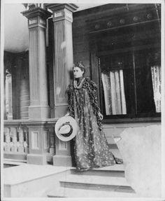 Kaiulani, Princess of Hawaii, 1875-1899......., At her Waikiki home, Ainahau. (circa 1898)