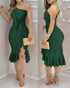 Trend Fashion, Dark Fashion, Ruched Dress, Bodycon Dress, High Slit Dress, Online Dress Shopping, Classy Dress, Women's Fashion Dresses, Green Dress