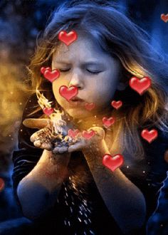 Discover & share this Animated GIF with everyone you know. GIPHY is how you search, share, discover, and create GIFs. Beautiful Gif, Beautiful Pictures, Big Bisous, Gif Bonito, Birthday Wishes, Happy Birthday, Blowing Kisses, I Love Heart, Gif Pictures