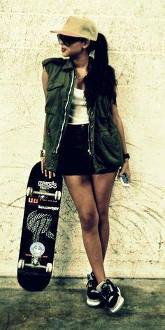 #girls #women #streetwear #snapback #skate #jordan #sneakers