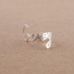 LOVE YOU Ring in Silver par bkandjio sur Etsy, $15.00