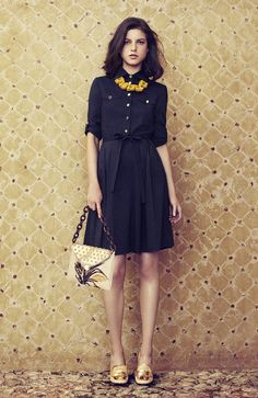 Spring / summer - street chic style - beach look - business casual look - navy shirtdress