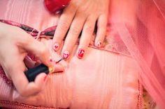 Soñar con uñas puede no parecer importante, pero como todo sueño es interpretable. En muchas ocasiones es un detalle que se pasa por alto y puede tener un significado importante. Nail Manicure, Pedicure, Gel Nails, Nail Polish, Acrylic Nails, Best Beauty Tips, Beauty Hacks, Women's Beauty, Beauty Advice