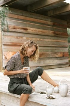 Graham Dunn for Anthropologie Spring 2019 with Vanessa Lorenzo & Marta Dyks - Fashion For Women İdeas Cute Fashion, Look Fashion, Fashion Beauty, Classic Fashion Style, High Fashion, Petite Fashion, 80s Fashion, Mode Outfits, Fashion Outfits