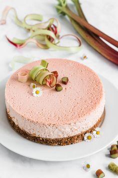 Rhabarber Cheesecake mit Keksboden | Madame Dessert