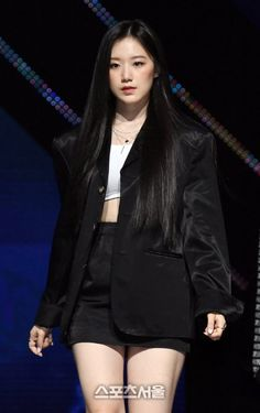 South Korean Girls, Korean Girl Groups, Black Pink Kpop, Only Girl, Stage Outfits, Sexy Asian Girls, Kpop Girls, Fashion Models, Long Hair Styles