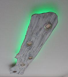 Deckenlampe mit LED-Spots und indirekter LED-Beleuchtung im Shabby-Look