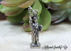 Statue of Liberty Charm, Statue of Liberty Pendant, New York Charm, New York Pendant, Sterling Silver Charm, Sterling Silver Pendant