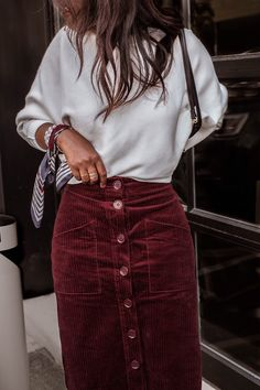 The Corduroy Skirt I'll Be Wearing Throughout Fall - Winter Outfits Modest Clothing, Modest Fashion, Feminine Fashion, Modest Apparel, Size Clothing, Mode Outfits, Fashion Outfits, Womens Fashion, Fashion Fashion