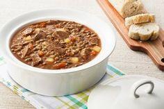Sopa de lentilha com músculo e mandioca