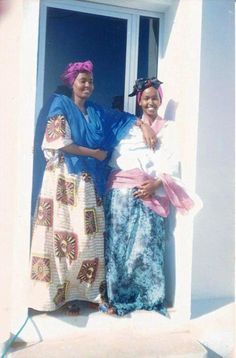 This is how Somali women use to dress back in the day. Effortless style. From their accessories to head scarves and shawls and not to mention gold. All people know of Somalis is current day Somalia, but there was a time when Somalis were really happy (well some) and life was good and people dressed well, had parties, went to the beach, worked hard. Somali women had a lot more freedom than an...