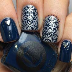 NadiasNails  @nadioula_ | Cirque Colors 'Selvedge' / stamp plate  @itgirlnailart IG106 / Stamping Polish: Mundo de Uñas Silver / Triangle studs