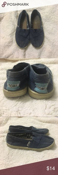 Youth Toms 13.5 A little dirty, could probably clean up nicely. TOMS Shoes Sneakers