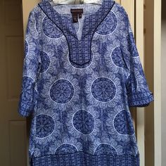"""BOGO FREE SALE Blue boho chic tunic Has some stretch. Excellent condition. 30"""" long. 19"""" armpit to armpit. Darts at bust. Great for work and play! Dana Buchman Tops Tunics"""