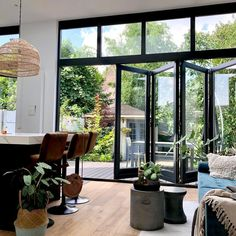 Interior Design Living Room, Interior Decorating, Interior Design Instagram, French Doors Patio, Paint Colors For Living Room, Loft Design, Cool Apartments, House Extensions, Home Fashion