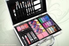 Compre já a sua Maleta de maquiagem com sombras 3D e jogo de pincéis, por R$ 84,90 + frete grátis.