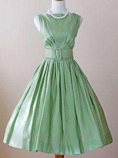 Vestidos para invitadas: Looks vintage - Vestido con cintura marcada