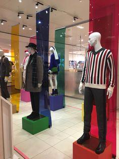 """fbfc56ebab DE BIJENKORF, Den Haag, The Netherlands, """"Look Left, Look Right... Look  Left Again"""", photo/uploaded by Ton van der Veer"""