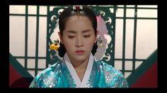 Han Ji-min as Jeongjo's royal concubines, Lady Seong Uibin.