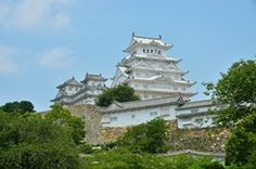 Himeji castle designated as a World Cultural Heritage. The castle resembles the shape of a heron with spread wings.