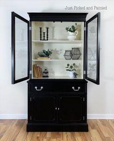 China Cabinet Decor, Modern China Cabinet, Black China Cabinets, Vintage China Cabinets, Black Display Cabinet, Hutch Display, Black Cabinet, Living Room Hutch, Dining Room