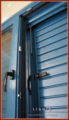 Θερμομονωτικό σύστημα αλουμινίου Ultra Ανοιγόμενο 🏡  Επιλογή χρώματος: Ral 5009 Azure Blue Window Manufacturers, Aluminium Doors, Windows And Doors, Lockers, Locker Storage, Kitchen Ideas, Furniture, Home Decor, House