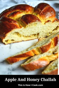 This honey challah bread recipe is filled with apples and is perfect for the Holidays or Fall season. Babka Cake, Donuts, Challah Bread Recipes, Good Food, Yummy Food, Dried Apples, Dough Bowl, Jewish Recipes, Dry Yeast