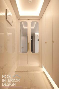 Vestibule, Home Crafts, Dorm, My House, Entrance, Living Room Decor, Bathtub, Windows, Small Houses