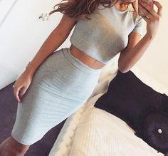 grey crop top outfit