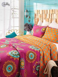 Discover hundreds of home decor items at prices off retail! At zulily youll find something special for every room in your home! - Home Decorating Magazines My Living Room, Living Room Decor, Bedroom Decor, Bedroom Ideas, Up House, Diy Home, My New Room, Room Decorations, Beautiful Bedrooms