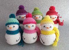2000 Free Amigurumi Patterns: Snowmen in Catalan