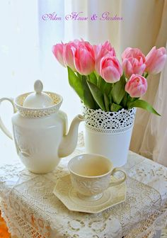 Aiken House & Gardens: The Charm of Flowers #pink #tulips #tea
