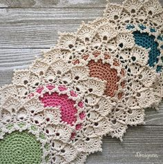 Crochet doily pattern with instructions.