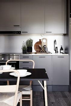 Same home, different stylist - via cocolapinedesign.com