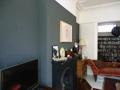dark feature wall, all black fireplace, white woodwork Farrow And Ball Lamp Room Grey, Farrow And Ball Living Room, Dining Room Blue, Dining Room Colors, London Living Room, Living Rooms, Relaxation Room, Relaxing Room, Mad About The House