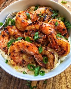 jerk grilled shrimp. mascarpone grits. bacon cream sauce. recipe posted at dariuscooks.com.