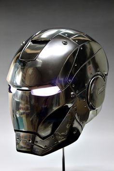 1/1 scale Iron Man Head Ver.Mark II. WANT!!!!!!!!!!