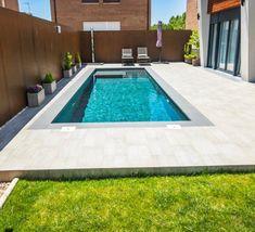 Small Backyard Pools, Swimming Pools Backyard, Swimming Pool Designs, Pool Paving, Kleiner Pool Design, Small Pool Design, House Construction Plan, Exterior Design, House Tours