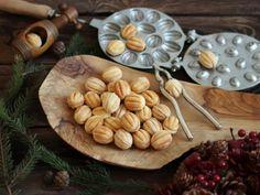 Ciastka orzeszki i świąteczne słodkości - Sowiarnia Food Hacks, Food Tips, Christmas Cookies, Almond, Deserts, Dessert Recipes, Menu, Sweet, Crack Crackers