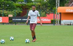 TUDO PRONTO! Recuperado de lesão, defensor trabalhou normalmente e pode reforçar o Tricolor no duelo com o time carioca #VamosSãoPaulo   VEJA MAIS: http://spfc.vc/2Avm3Fo #fashion #style #stylish #love #me #cute #photooftheday #nails #hair #beauty #beautiful #design #model #dress #shoes #heels #styles #outfit #purse #jewelry #shopping #glam #cheerfriends #bestfriends #cheer #friends #indianapolis #cheerleader #allstarcheer #cheercomp  #sale #shop #onlineshopping #dance #cheers #cheerislife…