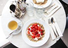 Breakfast in Paris, photo by Faye Bullock www.farfelue.com