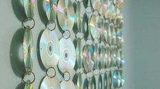 The best tutorials for DIY old CD crafts - Teen Room CD Hanging Cd Crafts, Diy And Crafts, Small Teen Room, Cd Art, Cd Wall Art, Music Wall Art, Diy Room Decor, Wall Decor, Cd Decor