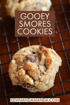 These smores cookies are everything you love about smores in a cookie Marshmallows and chocolate are added to a graham cracker cookie dough for a soft chewy cookie Smores Cookies, Gooey Chocolate Chip Cookies, Chocolate Cookie Dough, Homemade Chocolate, Cupcake Cookies, Chocolate Cupcakes, Cookie Dough Recipes, Baking Recipes, Dessert Recipes